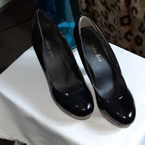 Black patent leather ladies platform heels